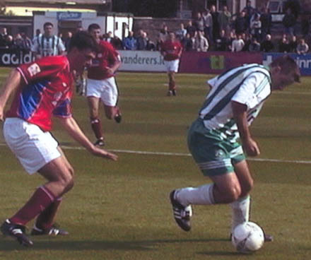 Barry O'Connor on the ball against Shels